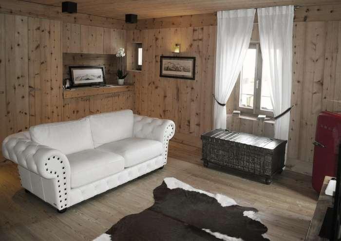 Das Sofa in dem Suite Zimmer